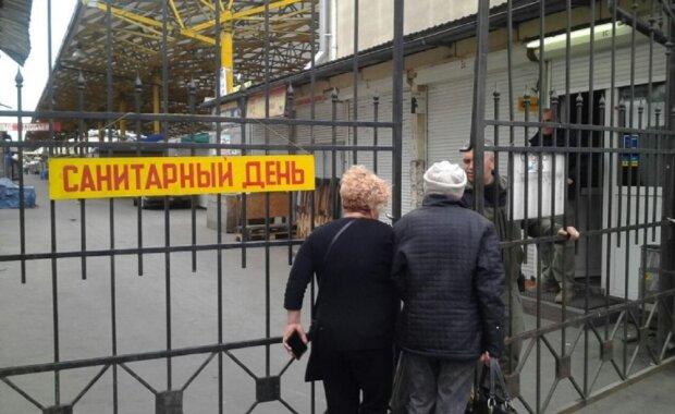 В сети показали работу рынка Привоз после запрета, в полиции разводят руками: фото