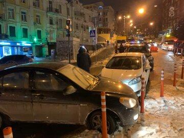 Масштабное ДТП в центре Киева: столкнулись сразу шесть машин, кадры и детали аварии
