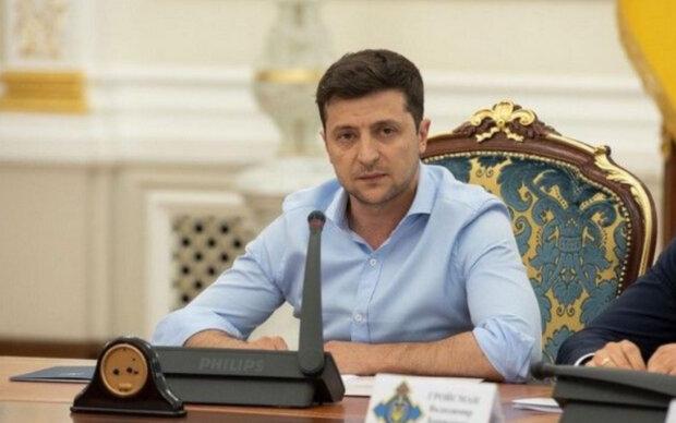 """Зеленский поставил точку в вопросе отставки Гончарука: """"Он освободит кресло, когда..."""""""