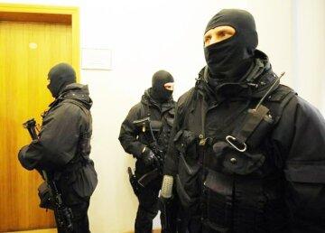 обыск люди в маске