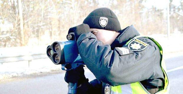 """Неадекватний львів'янин тікав від поліції на величезній швидкості, відео вражає: """"водій вантажівки допоміг..."""""""