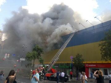 Разрушительный пожар на Крещатике: названы основные версии (видео)