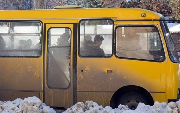 """Озвірілий водій маршрутки в Дніпрі перетворив поїздку пасажирів в пекло: """"в останню секунду..."""""""