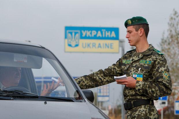 Украинцев не пускают за границу: «новогодние праздники под угрозой», фото