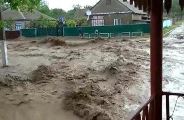 Мощный ливень затопил Одесскую область: кадры разгула стихии