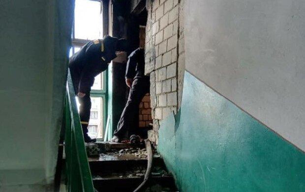 Одеська багатоповерхівка тріщить по швах через вибух газу: мешканці в паніці, кадри