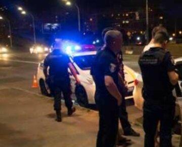 4-летние близнецы в одних трусах бродили улицами города: кадры ночного инцидента на Киевщине