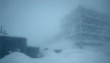 Украинскую землю засыпает снегом посреди весны, кадры: спасатели предупреждают об опасности