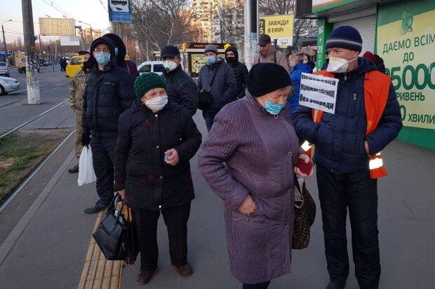 В Одесі ввели нові правила в громадському транспорті: кого будуть пускати поза чергою