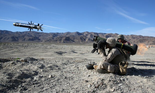 1/7 Marines utilize helicopters during live-fire assault