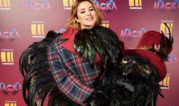 """Злата Огневич, снявшая костюм Ворона на шоу """"Маска"""", вызвала бурю эмоций признанием: """"Вот вы мне скажите?"""""""