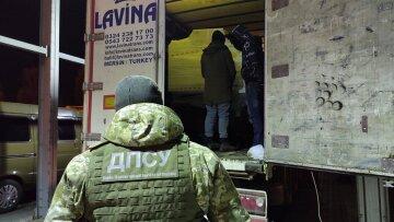 """Группу иностранцев поймали под Одессой: """"Мечтали о Европе"""""""
