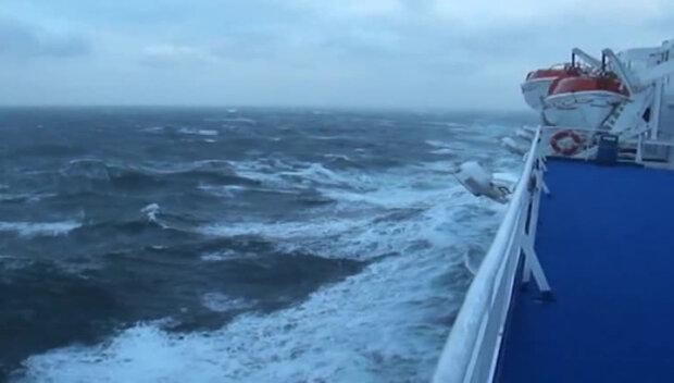 корабль море