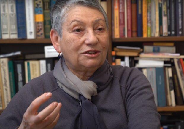 """Письменниця Улицька розповіла про відсталість росіян: """"Не можуть стати європейцями"""""""