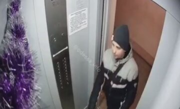 """Дерзкий подросток промышляет в Одессе, видео: """"Так заколядовал, что вместо «гостинца» унес..."""""""