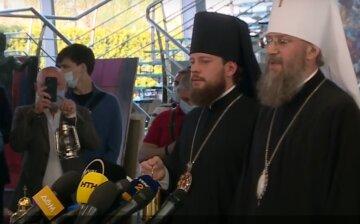 Благодатный огонь доставили в Украину в преддверии Пасхи – делегация УПЦ