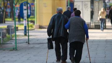 пенсіонери, пенсії в Україні, пенсія