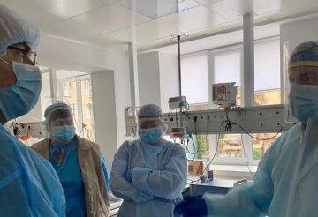 """Українців розлютив оптимізм влади щодо ситуації в лікарнях: """"Спустіться на землю!"""""""