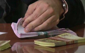 Стали известны зарплаты одесситов за сентябрь, грех жаловаться: где больше всего платят