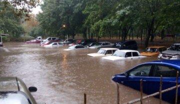Потоп в Одесі відрізав один з районів від цивілізації: зроблено термінове попередження