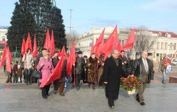 1421842382_Kommunisty-Kryma-pochtili-pamyat-Vozhdya-mirovogo-proletariata-V-I-Lenina