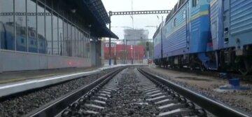 Під Одесою вантажний потяг зніс чоловіка: кадри трагедії і подробиці