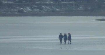"""На Одещині маленькі діти провалилися під лід: """"водій вантажівки кинувся на допомогу, але..."""""""