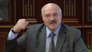 """Лукашенко пророчат незавидную судьбу после проникновения военных РФ: """"Зелёные человечки захватывают..."""""""