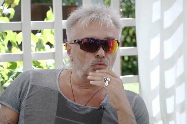 """Знаменитый рок-музыкант разгромил жизнь в современной России: """"Везде лицемерие и фальшь"""""""
