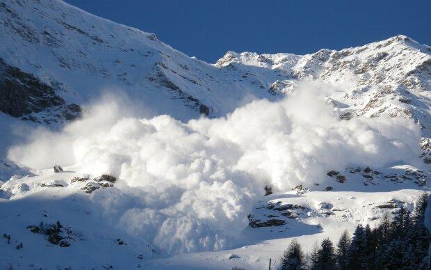 снег-лавина
