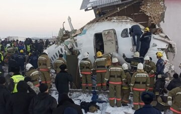 """""""Це дуже страшно"""": на борту впав літака була відома співачка"""