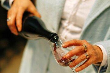 Цены на алкоголь в Крыму шокировали украинцев: дорогой шмурдяк