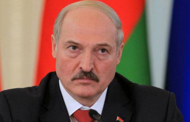 """""""Таке було при сталінському НКВС"""": у мережі показали, що трапляється з незадоволеними режимом Лукашенка"""