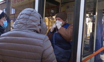 "Днепрян массово штрафуют в транспорте за нарушение карантина: ""Если без маски, то..."""