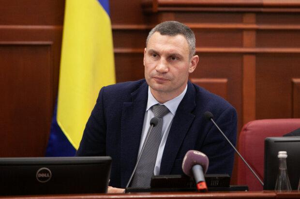 Кличко получил прибавку к зарплате, а киевляне продолжают жить за копейки на карантине