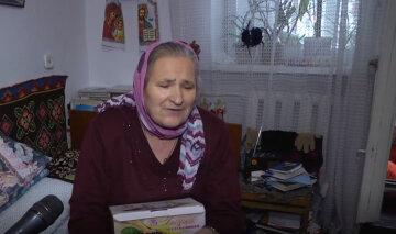 """""""Поки жива - буду приходити"""": українка похилого віку майже 40 років піклується про дітей з дитбудинку"""