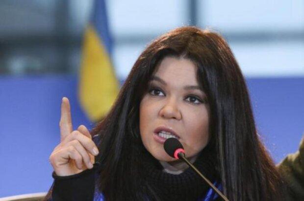 """""""Давайте знімемо з себе шаровари"""": Руслана несподівано закликала до """"революції"""""""