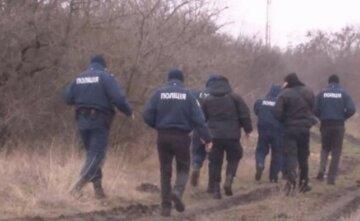 """У Києві дідусь загубив двох онуків: """"Були в лісі, а потім діти зникли"""""""