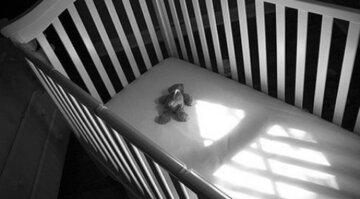 младенец, колыбель, трагедия