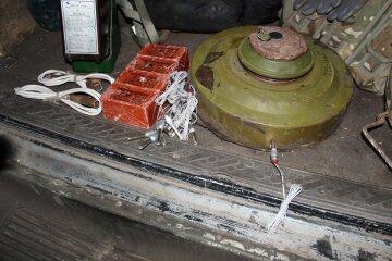 Жители «ДНР» ставят мины против боевиков