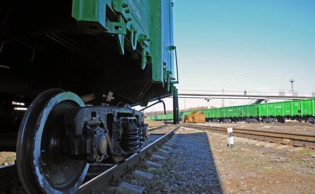 Трагічне НП на залізниці в Одеській області: відомо про жертви