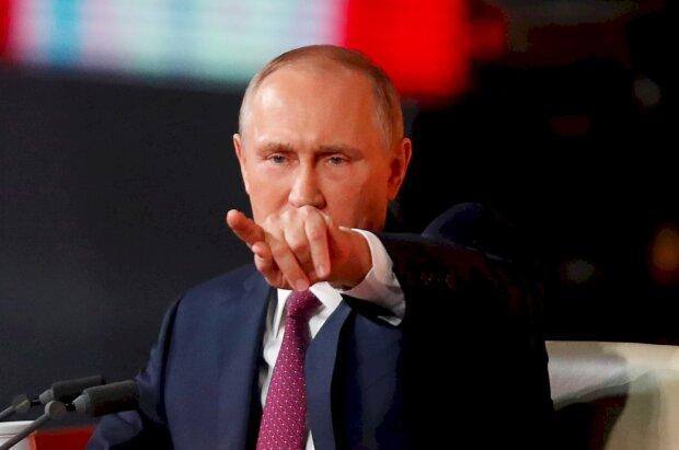 """Путін публічно накинувся на підлеглого, ганьба потрапила на відео: """"Ковбасу покладіть!"""""""