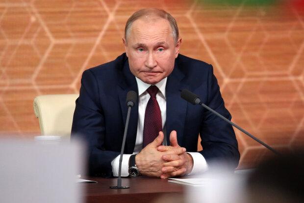 """Послання Путіна обернулося ганьбою, мережа вибухнула мемами: """"страшно включати праску"""""""