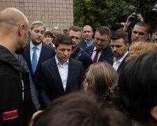Зеленского окружила озверевшая толпа, началась страшная давка: «Дайте воздух!», видео ЧП