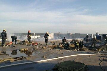 НП в багатоповерхівці Києва, все у вогні і диму: що відомо про пожежу, фото