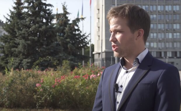 """""""Буду красти, людей обманювати я вмію"""": в Україні з'явився найчесніший кандидат у мери, відео"""