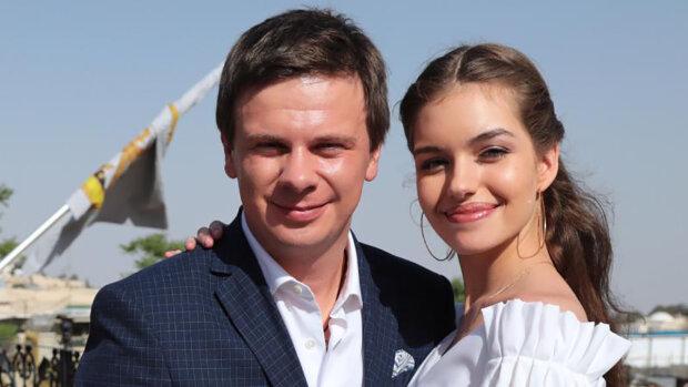 """Осяяний Комаров з дружиною без макіяжу зачарували образами з купальської ночі: """"Справжня гармонія"""""""