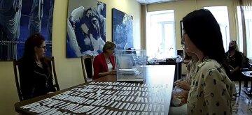 Коллектив Киевского Театра юного зрителя выступил с заявлением о честности проведения конкурса на должность директора