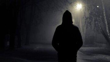 """Неадекват устроил охоту на девушек в Днепре, появились пугающие кадры: """"преследовал пока не..."""""""