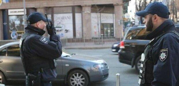"""Стрілянина гримить в Києві, кадри і подробиці від очевидців: """"Затягли в мікроавтобус"""""""